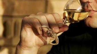 Wer vor oder während der Arbeit trinkt, leistet weniger (Symbolbild)