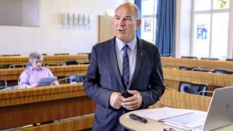 Covid-19 könnte Finanzdirektor Anton Lauber noch einen Strich durch die Rechnung machen.