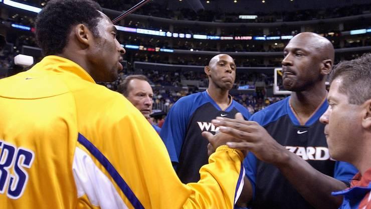 12. Februar 2002: Kobe Bryant und Michael Jordan, der zuletzt bei den Washington Wizards spielte.