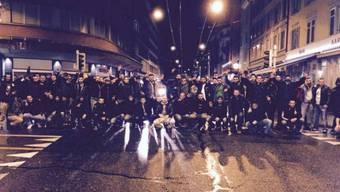 Demonstrierende Strassenbande