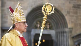 Verlängerung: Der 77-jährige Churer Bischof Vitus Huonder bleibt im Amt, bis seine Nachfolge geregelt ist.
