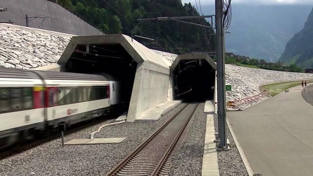 Historische Gotthard-Eröffnung