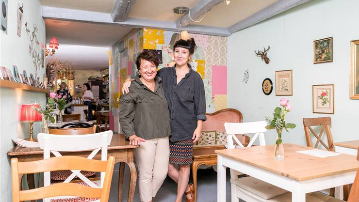 Seit zehn Jahren betreibt Claudia Nabholz in der Halde das «Café Meise» – unterstützt wird sie dabei von ihrer Mutter.