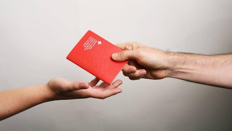 Die Stadt Luzern will ab kommendem Januar die städtischen Einbürgerungsgebühren für unter 25-Jährige streichen.