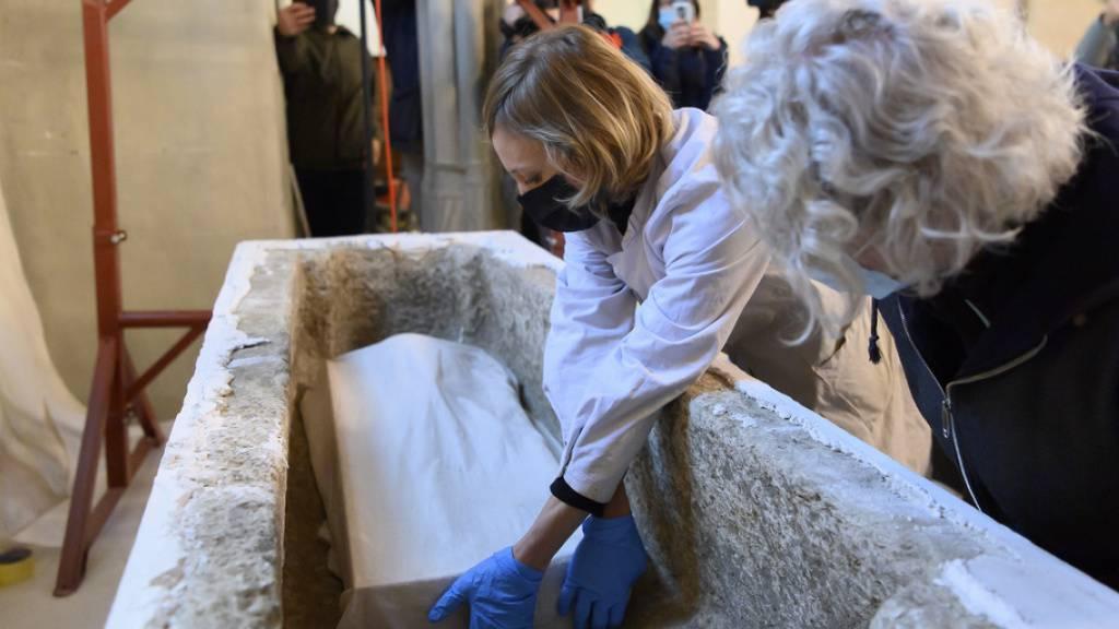 Abtei von Payerne VD öffnet «falsches» Grab von Königin Bertha
