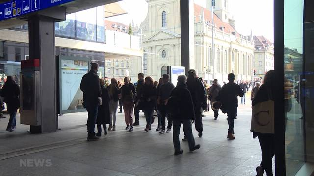Bahnhof Bern: Verschwindet der Raucher-Treffpunkt?