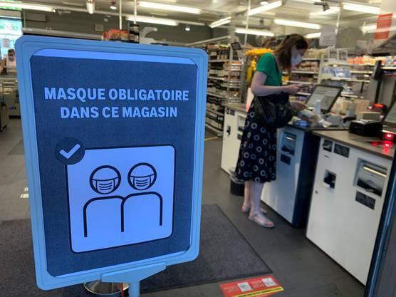 In fast allen Geschäften wird auf die neue Maskenregel des Kantons Waadt hingewiesen.