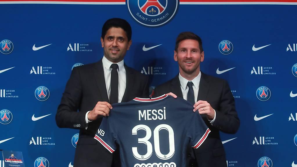 Nasser Al-Khelaifi und Lionel Messi bei der Vorstellung des argentinischen Superstars in Paris
