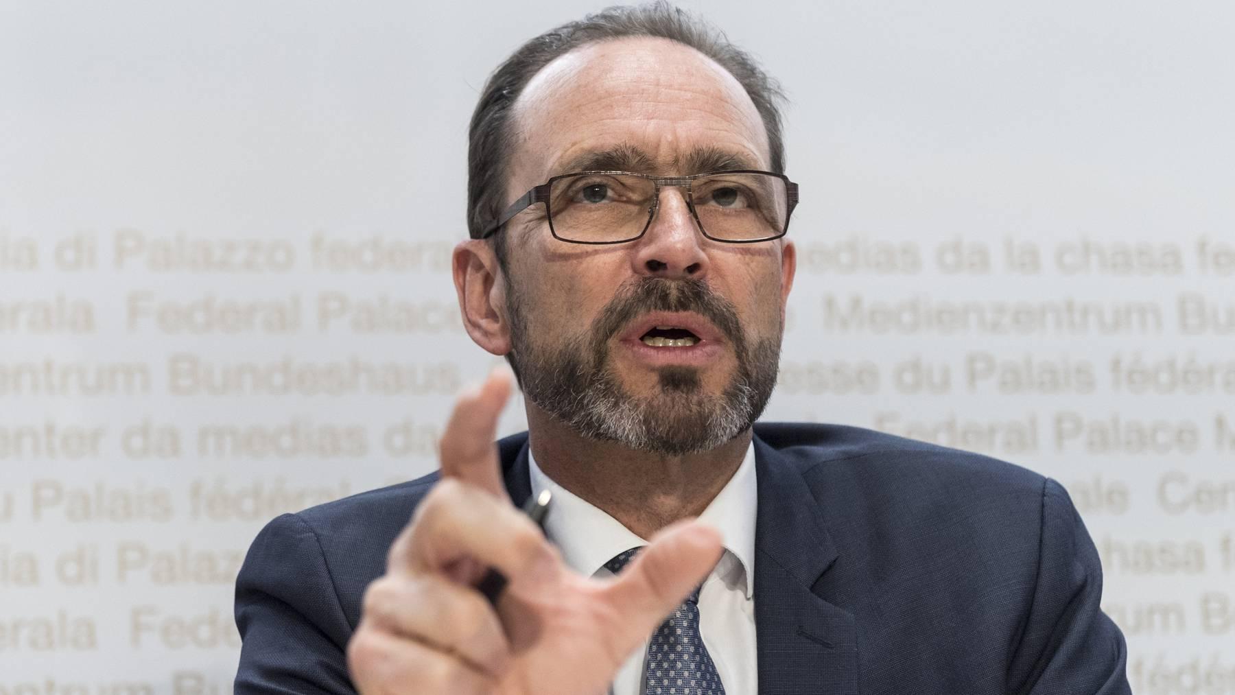 BAG-Direktor Stupler bestätigt, dass die Schweiz kurz vor dem Abschluss eines Vorverkaufs für einen Impfstoff steht.
