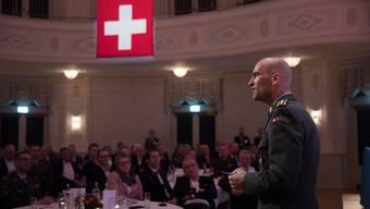 Der neue Armeechef Thomas Süssli tritt einen Monat vor der voraussichtlichen Volksabstimmung über neue Kampfjets bei der Zürcher FDP auf.