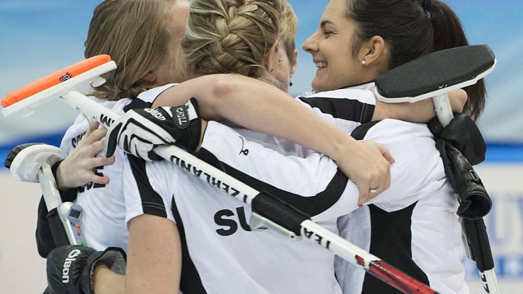 Die Freude ist verständlich: Die Schweizerinnen gewinnen die Vorrunde