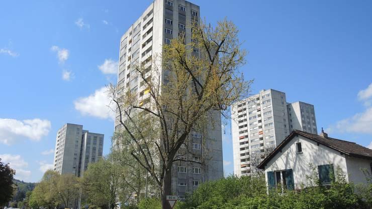 Die Hochhäuser haben in Wettingen schon beinahe Kultstatus, und sie dominieren das Ortsbild im unteren Limmattal.