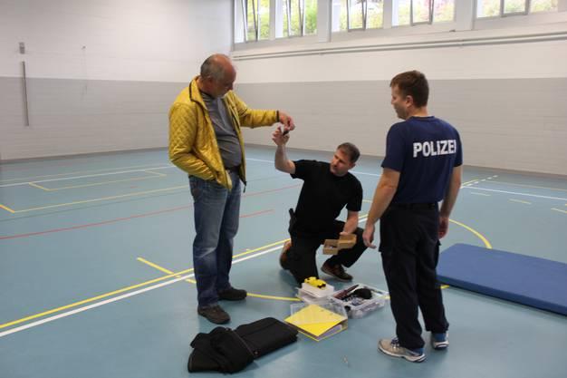Für alle Fälle ist Rettungsdienst-Chef Mario Wiesenthal vor Ort