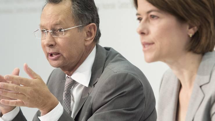Der frühere FDP-Präsident, Ständerat Philipp Müller (AG), und seine Nachfolgerin, Nationalrätin Petra Gössi (SZ), plädieren für einen beschränkten und befristeten Inländervorrang zur Umsetzung der Masseneinwanderungsinitiative. (Archiv)