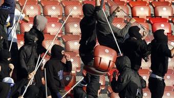 Mehr Hooligan-Einträge aus dem Fussball-Umfeld als aus dem Hockey-Umfeld (Symbolbild)