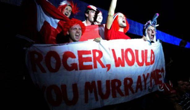 Gelungenes Wortspiel einer Fan-Gruppe beim gestrigen Halbfinal Roger Federers gegen Andy Murray an den ATP World Tour Finals.