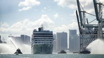 Historischer Moment: Kreuzfahrtschiff Adonia von den USA nach Kuba