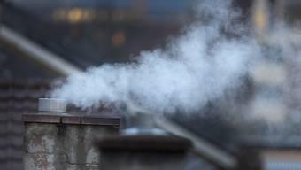 Für den Ausstoss von Treibhausgasen soll nach Ansicht von IWF-Experten künftig weltweit eine Steuer erhoben werden. (Symbolbild)