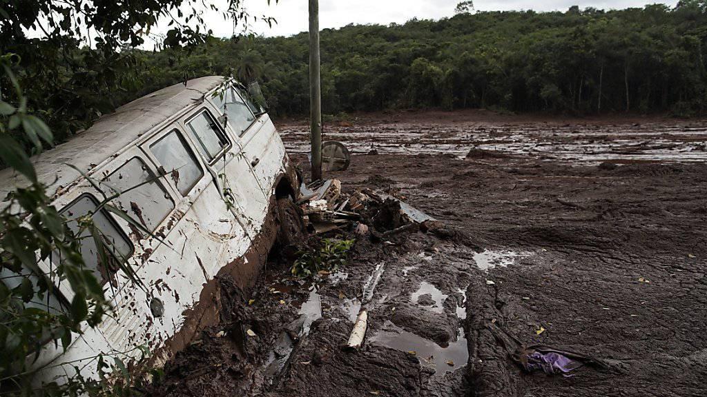 Nach dem Dammbruch an einer Eisenerzmine in Brasilien ist die Zahl der bestätigten Todesopfer auf 150 gestiegen. (Archivbild)