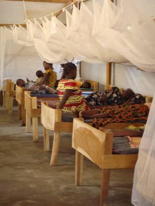 Ein Spitalzimmer in Doruma im Kongo.