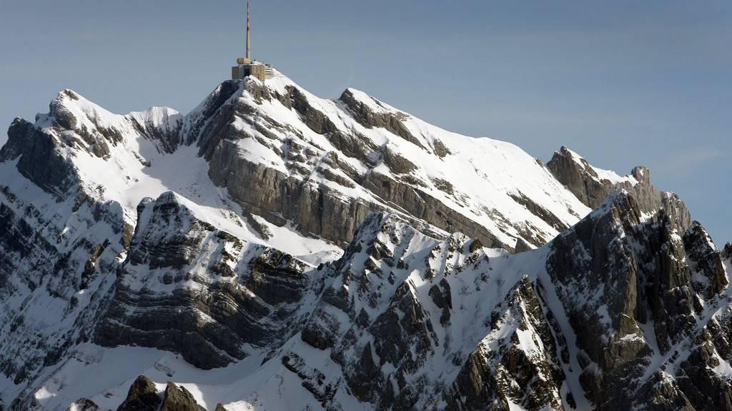 Die Suche nach dem vermissten Bergsteiger konnte noch nicht fortgesetzt werden.