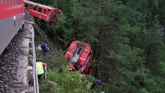 Zug der Rhätischen Bahn entgleist bei Tiefencastel