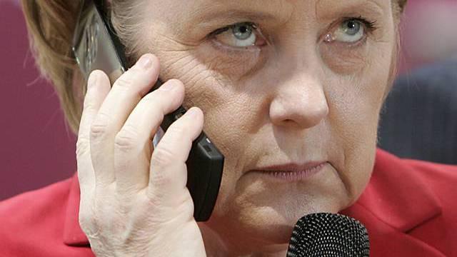 Angela Merkel nahm Kontakt mit der Bundespräsidentin auf (Archiv)