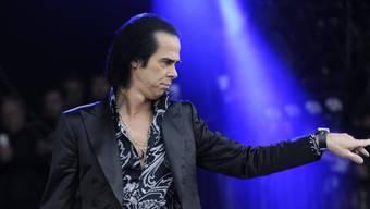 Nick Cave ist zurück: Im November kommt der australische Musiker mit seiner Band Bad Seeds für zwei Konzerte in die Schweiz. (Archivbild)