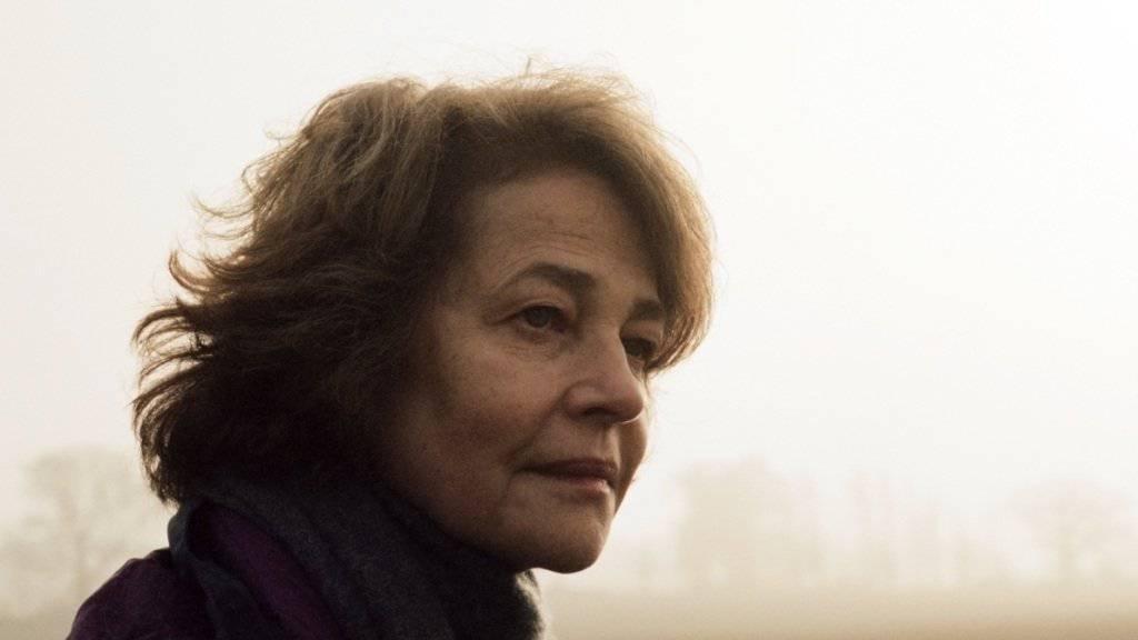 Oscar-Anwärterin Charlotte Rampling - hier in einer Szene aus «45 Years» - findet, man kann es auch übertreiben mit Rassismus-Vorwürfen (Archiv).