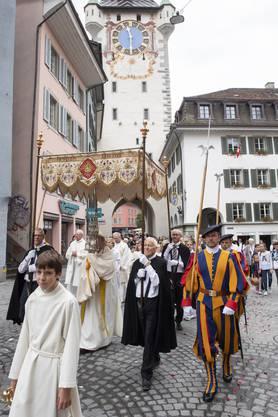 Fronleichnam-Messe und Fronleichnams-Prozession