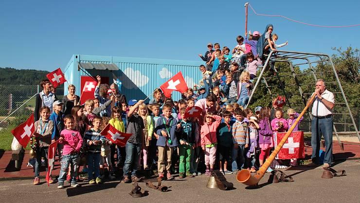 Über 70 Schulkinder werden die Sichlete mit einem Alpabzug eröffnen