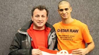 Davide Faraci postete dieses Foto mit seinem Ex-Trainer Engin Köseoglu (li) zu der Meldung.