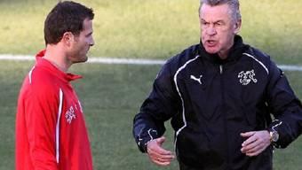 Setzt Coach Ottmar Hitzfeld im Spiel gegen Chile auf den wiedergenesenen Alex Frei?