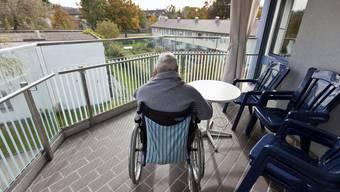 Ältere Menschen sterben schneller, wenn sie einsam und isoliert sind.