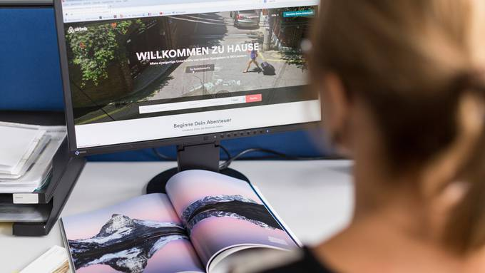 Die Suche auf Airbnb soll mit künstlicher Intelligenz überwacht werden.