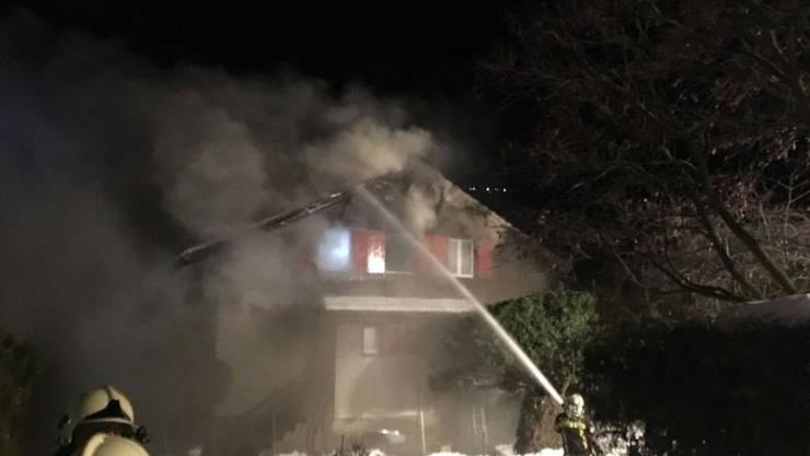 Der Kaminbrand breitete sich vor allem im Obergeschoss des Hauses in Siders VS aus.