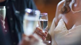 Immer häufiger wird mit Spumante statt mit Champagner angestossen