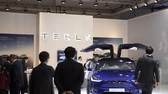 Der Autohersteller Tesla will in Grossbritannien offenbar in den Strommarkt einsteigen. (Symbolbild)