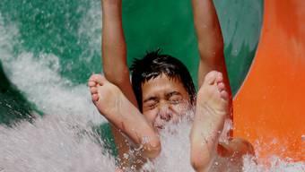 Abkühlung: Wer konnte, kühlte sich in diesem August am besten im Wasser ab.