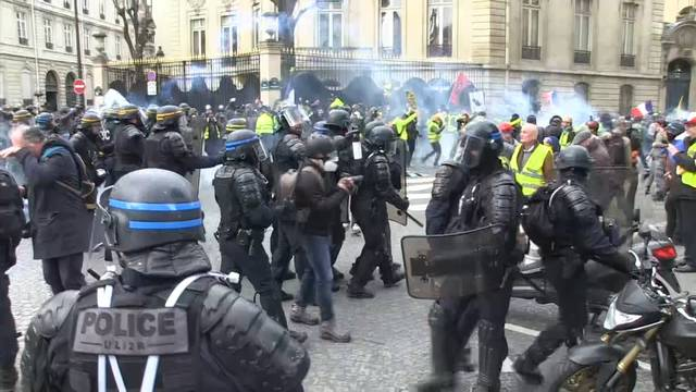 Gelbwesten-Demonstrant verliert Hand