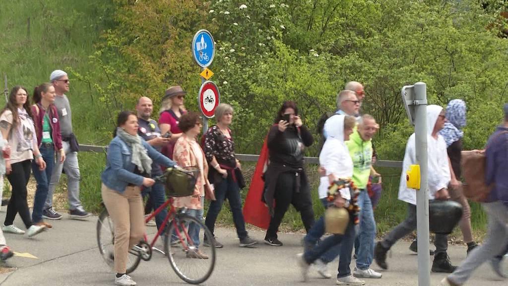 Über 1'500 Teilnehmer an unbewilligter Demo in Aarau