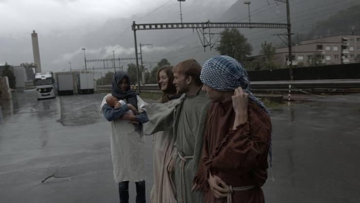 Mitten in den Bergen wurden wir von Noah und seiner Familie begrüsst.