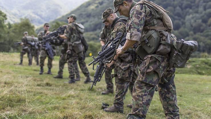 Bei einem Budget von weniger als fünf Milliarden Franken pro Jahr wären die Schweizer Soldaten ungenügend ausgerüstet, sagt Armeechef Blattmann (Archiv).