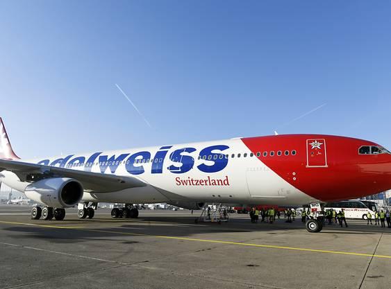Ein Airbus A340 der Edelweiss. (Archiv)