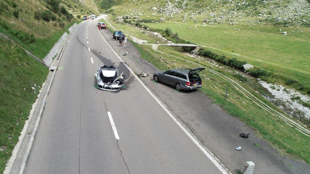 Luxusautos in Unfall involviert – 3,7 Millionen Franken Sachschaden