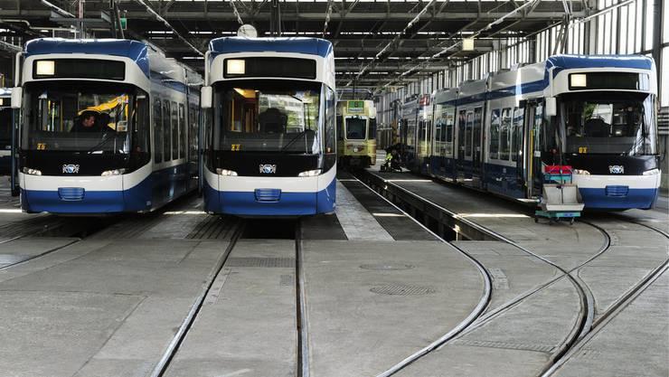 Der VBZ droht in den kommenden Jahren ein Engpass: Blick ins Tramdepot an der Elisabethenstrasse (Symbolbild)