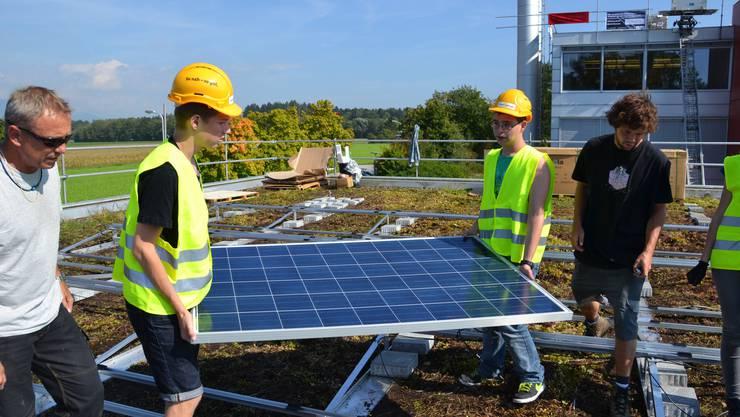 Insgesamt zehn Klassen des Oberstufenzentrums Derendingen-Luterbach sind am Bau beteiligt.