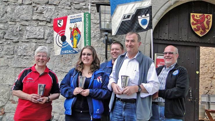 Die Gewinner der Meisterschaftsbecher (von links): Ursula Lutz, Silvia Hofer und Kurt Sommerhalder. Foto: ADR