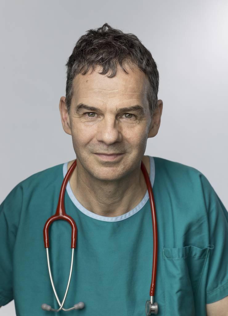 René Prêtre, Chefchirurg bis 2012.