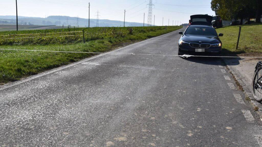 E-Biker verunfallt wegen über Strasse gespanntem Erntegarn